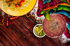 Fond : Foyer sur des roches Margarita Drink Photo stock