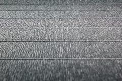 Fond gris minimaliste texturisé abstrait avec les traits horizontaux Images libres de droits