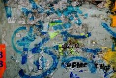 Fond grunge avec de vieilles affiches déchirées Photo stock
