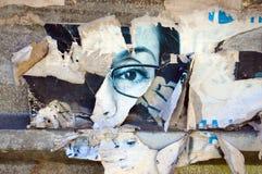 Fond grunge avec de vieilles affiches déchirées Image libre de droits