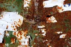 Fond grunge avec de vieilles affiches déchirées Photographie stock