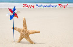 Fond heureux des Etats-Unis de Jour de la Déclaration d'Indépendance avec des étoiles de mer Photographie stock libre de droits