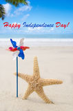 Fond heureux des Etats-Unis de Jour de la Déclaration d'Indépendance avec des étoiles de mer Image stock