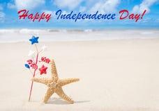 Fond heureux des Etats-Unis de Jour de la Déclaration d'Indépendance avec des étoiles de mer Images stock