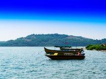 Fond indien vif horizontal b de transport de voyage de bateaux Photo libre de droits