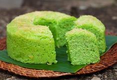Fond indonésien traditionnel de pierre de désert de gâteau de mousseline de soie de Pandan Images stock