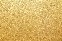 Fond jaune brillant de texture de feuille d'or de feuille Images libres de droits