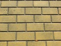 Fond jaune de briques image libre de droits