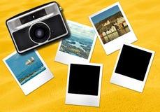 Fond jaune de cartes de cadres d'appareil-photo et de photo Image stock