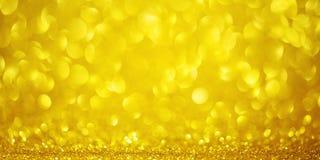 Fond jaune de jour de valentines avec de l'or autour du bokeh Texture d'or de cercle de scintillement de concept de jour d'amour image stock