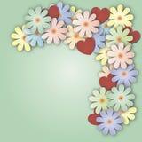 Fond lilas avec le bouquet des fleurs et des coeurs Images stock
