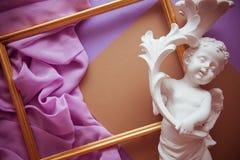 Fond lilas romantique avec l'espace de cadre, de draperie et de copie pour Photographie stock libre de droits
