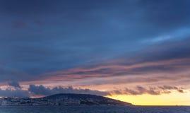 Fond lumineux de ciel de coucher du soleil Tanger, Maroc Image libre de droits
