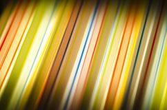 Fond lumineux des rayures multicolores image stock