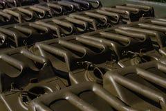 Fond militaire de boîtes métalliques photos stock