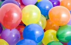 Fond multicolore de ballons Images stock