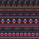 Fond multicolore sans couture tribal aztèque de modèle La conception tribale peut être appliquée pour des invitations Photographie stock libre de droits