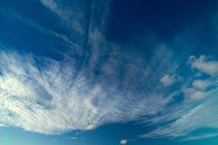 Fond naturel de nuages de cirrocumulus photographie stock libre de droits