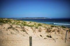 Fond naturel de paysage Vue de sable Les dunes de côte échouent la vue de mer photographie stock