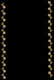 Fond noir vertical avec des verres de jus d'orange Photographie stock