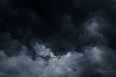 Fond orageux de nuages de pluie Photos stock