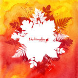 Fond orange d'aquarelle avec les feuilles blanches Image stock