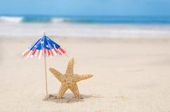 Fond patriotique des Etats-Unis avec des étoiles de mer Image stock