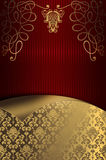 Fond rayé rouge décoratif avec les modèles floraux d'or Photo stock