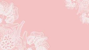 Fond rose de lacet Carte de voeux ou invitation de calibre avec des fleurs dans les coins Photographie stock
