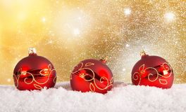 Fond rouge de boules de Chrsitmas Photo libre de droits