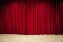 Fond rouge de rideau Image libre de droits