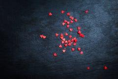 Fond rouge et noir de carte de jour de valentines - avec des ornements, H Photographie stock