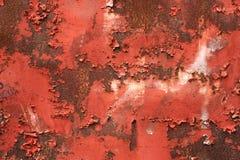 Fond rouge et rouillé avec la peinture d'épluchage photos libres de droits