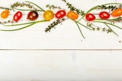 Fond sain de nourriture Photographie de studio de différents légumes sur la vieille table en bois Image libre de droits