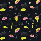 Fond sans couture avec les parapluies ouverts et fermés Autumn Pattern Photographie stock libre de droits
