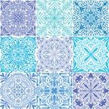 Fond sans couture de modèle de rétros tuiles symétriques bleues de vecteur illustration de vecteur
