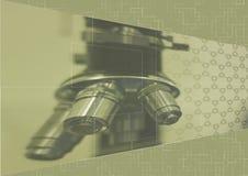 Fond scientifique beige avec le microscope et Photographie stock libre de droits