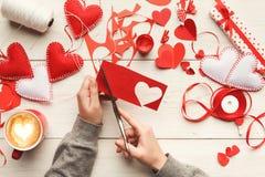 Fond scrapbooking fait main de Saint Valentin Photos libres de droits