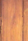 Fond superficiel par les agents rustique en bois de grange images libres de droits