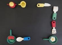 Fond sur la nutrition de l'enfant ou régimes avec le coutelier coloré drôle photo stock