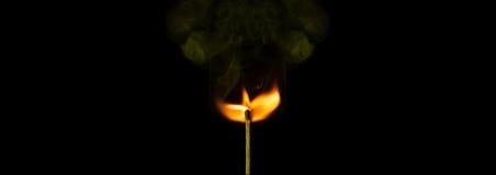 Fond symbolique de religion de la vie de pureté de paix avec le bâton brûlant de match Photographie stock