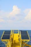Fond vert d'énergie, énergie d'économies avec de l'énergie verte, industrie de pile solaire, système de pile solaire et énergie p Photo libre de droits