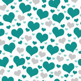 Fond vert et blanc de répétition de modèle de tuile de coeurs Photo libre de droits