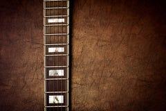 Fond vertical de détail de cou de guitare Photo stock