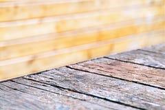Fond vide diagonal d'objet de table de cru images stock
