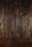 Fond vide sale en bois. Insérez le texte ou les objets photos stock