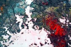 Fond vif d'automne coloré de rouge bleu, fond de peinture d'aquarelle, couleurs abstraites de peinture photo libre de droits