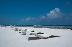 Fondale marino sulla riva di mare - mare bianco della sabbia Immagini Stock