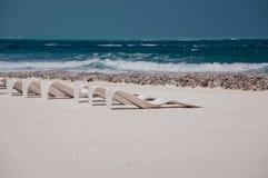 Fondale marino sulla riva di mare - mare bianco della sabbia Immagine Stock
