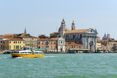 Fondamenta delle Zattere在威尼斯,意大利 免版税库存照片